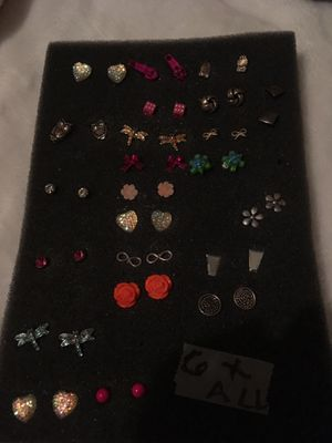 Earrings all for $6 dollars for Sale in Elgin, IL