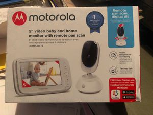 "Motorola 5"" video baby and home monitor for Sale in Kennewick, WA"