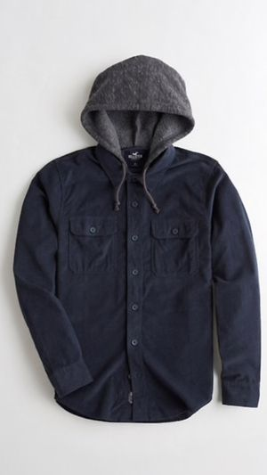 HOLLISTER BRAND NEW... SIZE, MEDIUM , LARGE AND XLARGE...$35 dlls ... PRICE IS FIRM/NO LESS/NO SHIP/NO DELIVERY for Sale in Colton, CA