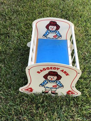 Raggedy ann retro baby doll cradle for Sale in Houston, TX