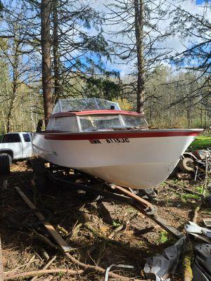 19 ft Ocean Fishing Boat for Sale in Brush Prairie, WA