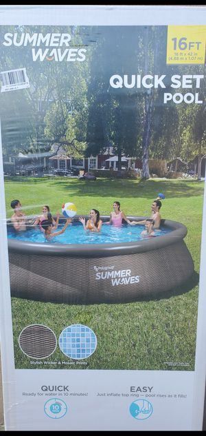 """Summer waves 🌊 16 Ft 42"""" deep pool New Box includes : 16ft x 42 POOL 🌊 Filter Pump Ladder Filter for Sale in Montclair, CA"""