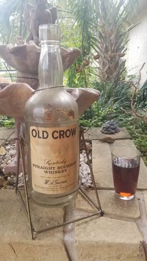 Rare Antique Large, 1 Gallon Collectable Bourbon Whiskey Glass with Rare Rocking Hang Swing & Original Decals! for Sale in Aloma, FL