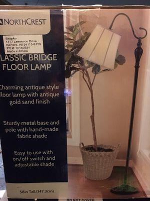 NORTHCREST CLASSIC BRIDGE FLOOR LAMP for Sale in Vernon, CA