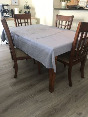 Brown wooden dining table for Sale in West Palm Beach, FL