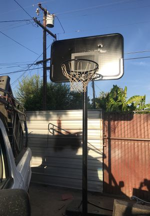 Basketball hoop for Sale in Orange Cove, CA