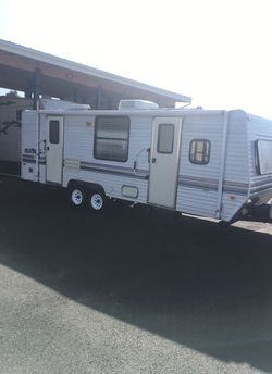2000 Layton, made by skyline 24 foot light weight air condition awning double door entry for stabilizing jacksDual battery system for Sale in Vancouver,  WA