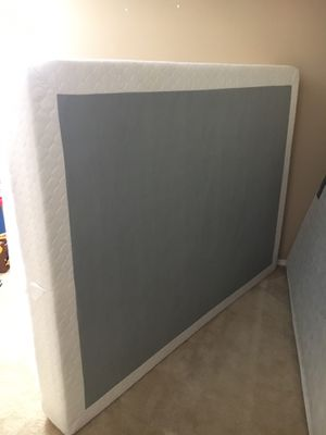 FREE QUEEN BOX SPRING for Sale in Spring Hill, FL