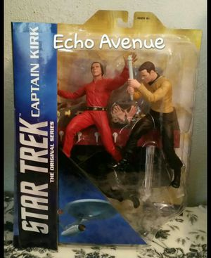 Collectible Star Trek the Original Series Captain Kirk Diamond Select Toy Set Khan for Sale in El Paso, TX