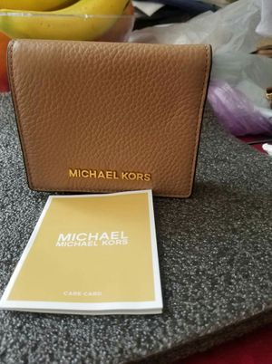 NwT authentic MichaelKors wallet for Sale in Lincoln Acres, CA