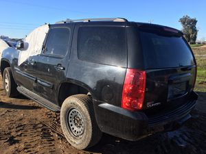 2008 GMC Yukon For Parts s Only!! for Sale in Fresno, CA