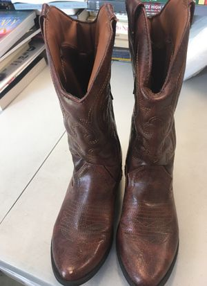 Girls size 4 boots for Sale in New Smyrna Beach, FL
