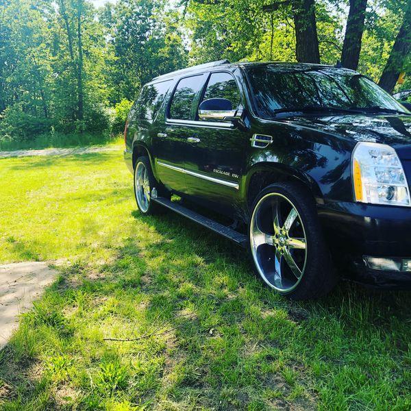 2010 Cadillac Escalade ESV For Sale In Chicago, IL