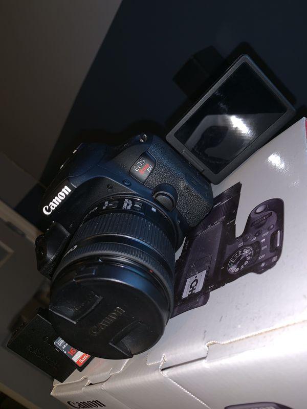 Canon EOS Rebel T7i 10/10 condition