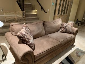 Brown microsuede couch for Sale in Phoenix, AZ