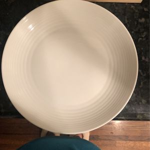 Free dinner Plates and Glasses for Sale in Alhambra, CA