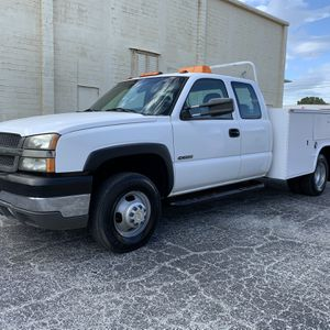 2003 Chevy 3500 Dually Utility Truck for Sale in St.Petersburg, FL