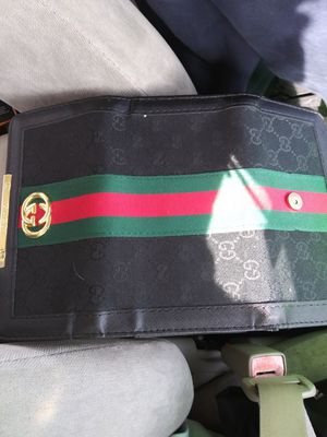 Gucci wallet for Sale in Old Hickory, TN