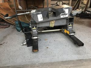 Fifth wheel hitch. for Sale in Bryan, TX