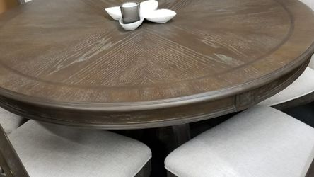 """Highend Antique grayish brown 60"""" round table with 6 chairs for Sale in Sacramento,  CA"""