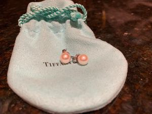 Tiffany Signature Pearls Earrings for Sale in Houston, TX