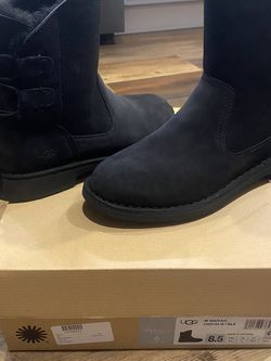 Women's Side 8.5 UGG Boots for Sale in Duvall,  WA