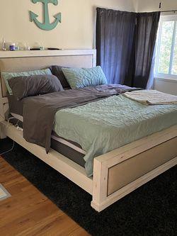 King Bedroom Set for Sale in Glendale,  CA