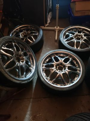 20in universal rims for Sale in Oceanside, NY