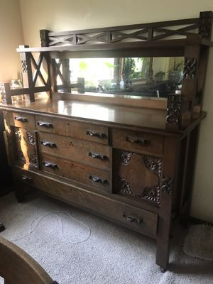 Antique dining room table and buffet oak for Sale in Columbus, OH