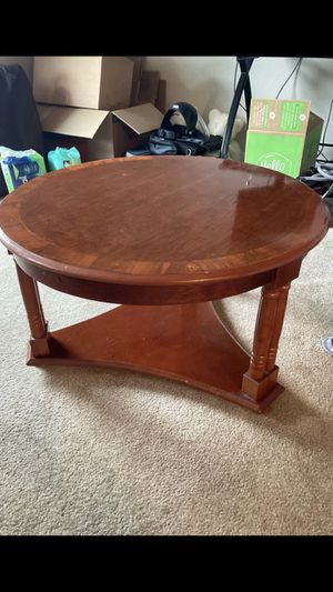 FREE wood coffee table great condition for Sale in Bellevue, WA