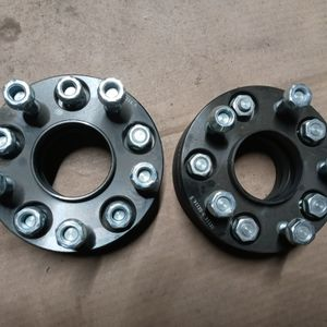 5x114 25mm 66.1 Center Bore for Sale in Lynwood, CA