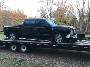 2011 chevi Silverado 5.3 LT for Sale in Newark, NJ