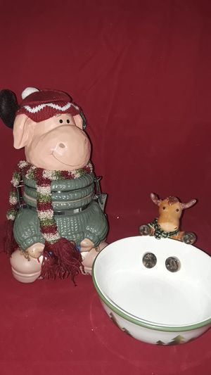CHRISTMAS REINDEER COOKIE JAR AND CANDY DISH for Sale in Pompano Beach, FL