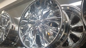 "24"" 5x115 5X120 CHROME DEEP LIP RIMS FOR 300 CHARGER CHALLENGER BMW AND MANY MORE IN STOCK NO CREDIT FINANCING AVAILABLE FOR AS LOW AS $1 for Sale in Portland, OR"