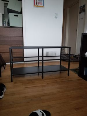 "Tv stand w/ glass middle piece for 40"" tv for Sale in Pacifica, CA"