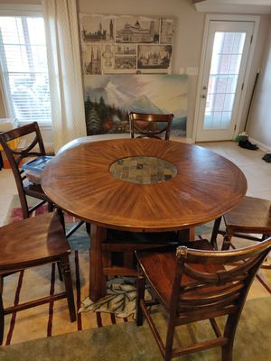 Dinning table for Sale in Nicholasville, KY