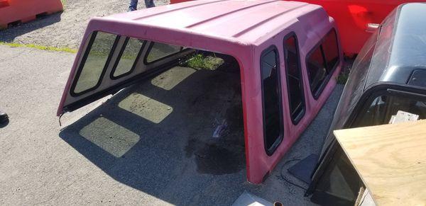 Camper shell pickup truck