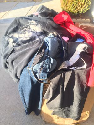 HUGE BOX FULL OF WOMENS CLOTHES SHOES PURSES BAGS DRESSES ETC for Sale in Moreno Valley, CA