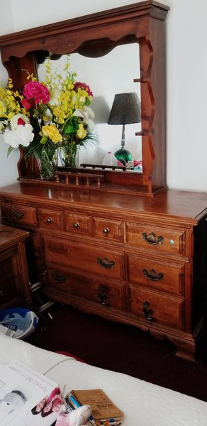 Bedroom dresser for Sale in Valley Stream, NY