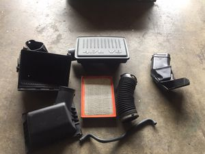 Air filter for a 2005 Jeep Grand Cherokee for Sale in Bell, CA