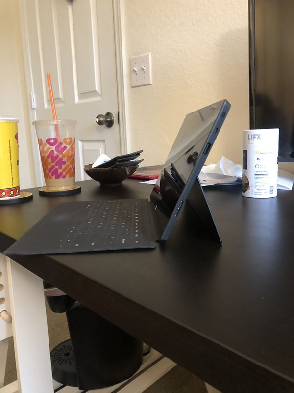 Microsoft Surface INCLUDES CHARGER AND KEYBOARD
