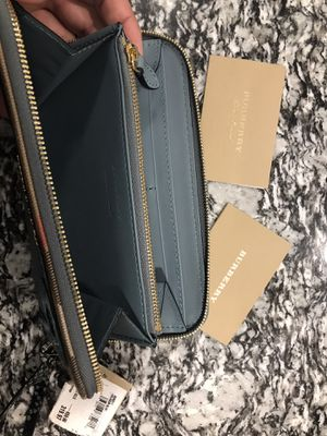Authentic Burberry Wallet for Sale in Fontana, CA