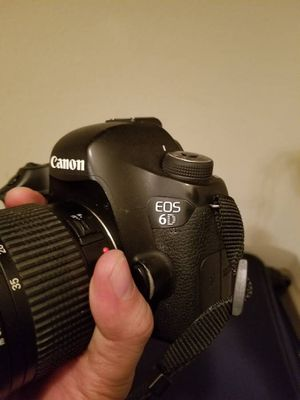 Canon 6D + 16GB flash for Sale in Houston, TX