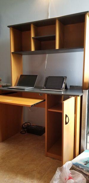 Desk for Sale in Miami, FL