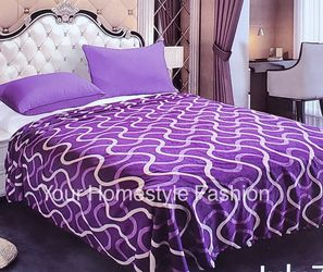 Brand new queen size lightweight flannel blanket super soft quality for Sale in Salem,  OR