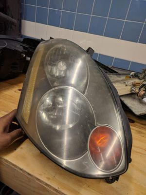 G35 coupe right headlight used for Sale in Queens, NY