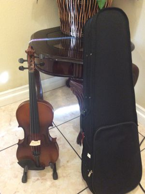 Fever violin with case bow and rosin for Sale in South Gate, CA