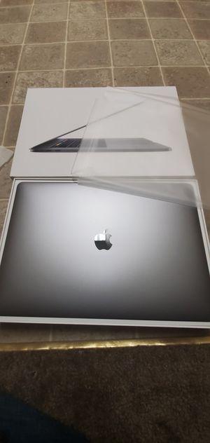 """2018 15"""" Macbook Pro Touchbar/id intel i7 16gb ddr4 Retina display for Sale in Stockton, CA"""