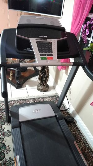 NordicTrack Treadmill for Sale in Carol City, FL