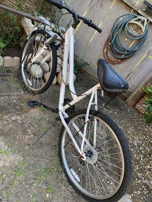 White bike unisex for Sale in Sanger, CA